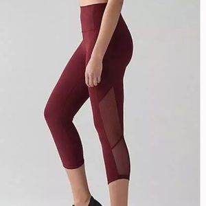 Lululemon mesh crop leggings